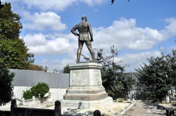 Atatürk heykeli için İBB'den flaş karar!
