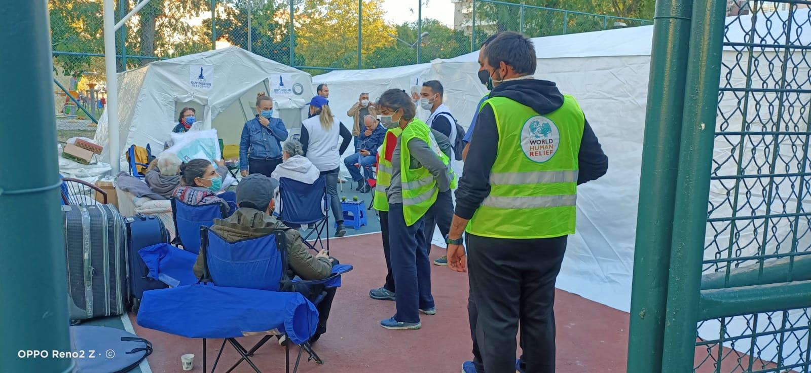 Dünya Doktorları İzmir'i yalnız bırakmıyor
